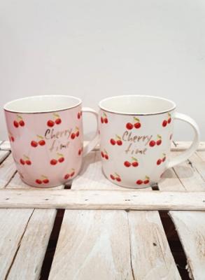 Tazza in porcellana con inserti dorati, con motivo ciliegie e scritta Cherry Time. Ideale per tè, tisane e la colazione